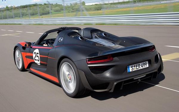 porsche 918 spyder tarif porsche 918 spyder price will be set around 630 000 extravaganzi 2018. Black Bedroom Furniture Sets. Home Design Ideas