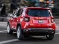 2017 Jeep Renegade8