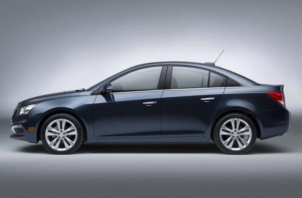 2016 Chevrolet Cruze Price and Review11 600x393