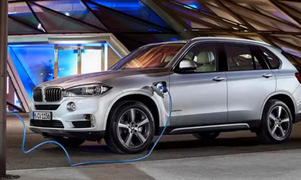 2017 BMW X5 xDrive40e Review2