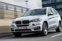 2017 BMW X5 xDrive40e Review7 250x166
