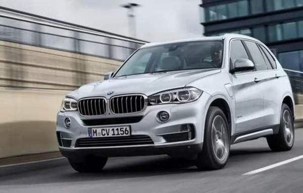 2017 BMW X5 xDrive40e Review7
