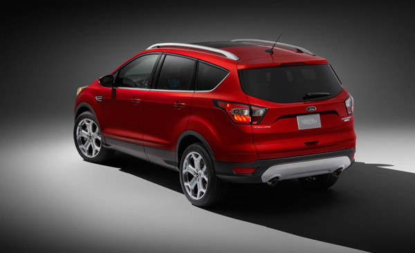 2017 Ford Escape Review8 600x366