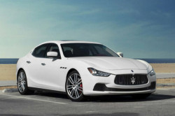 2017 Maserati Ghibli Review3 250x166