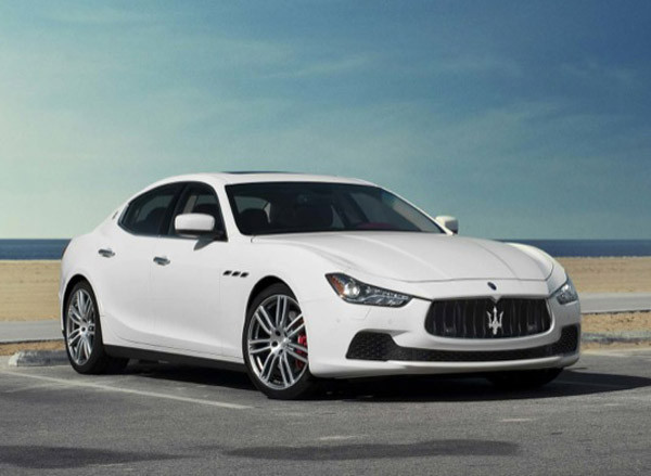 2017 Maserati Ghibli Review3 600x439