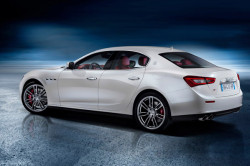 2017 Maserati Ghibli Review6 250x166