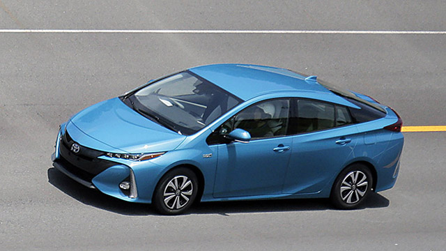 2017 toyota prius prime release date price design. Black Bedroom Furniture Sets. Home Design Ideas