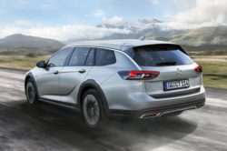 2018 Opel Insignia Country Tourer1 250x166