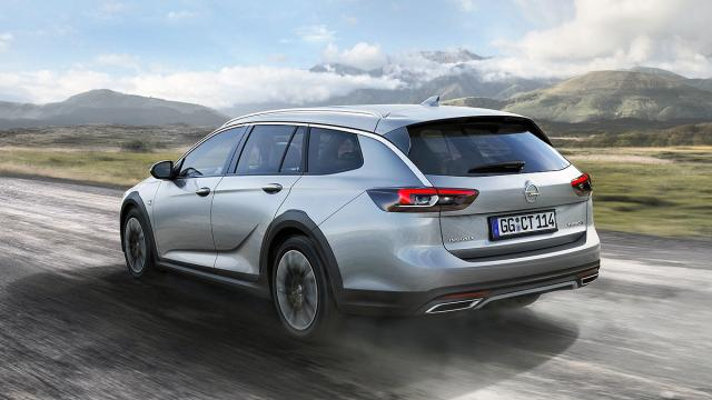 2018 Opel Insignia Country Tourer1