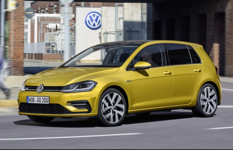 2018 Volkswagen Golf R2