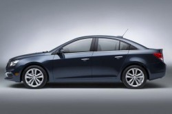 2016 Chevrolet Cruze Price and Review11 250x166