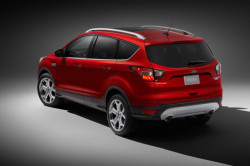 2017 Ford Escape Review8 250x166